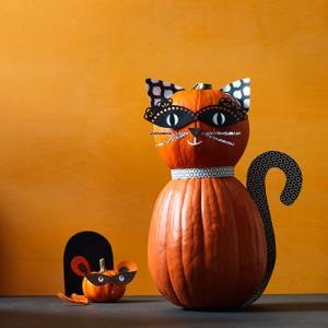 cat-and-mouse halloween pumpkin