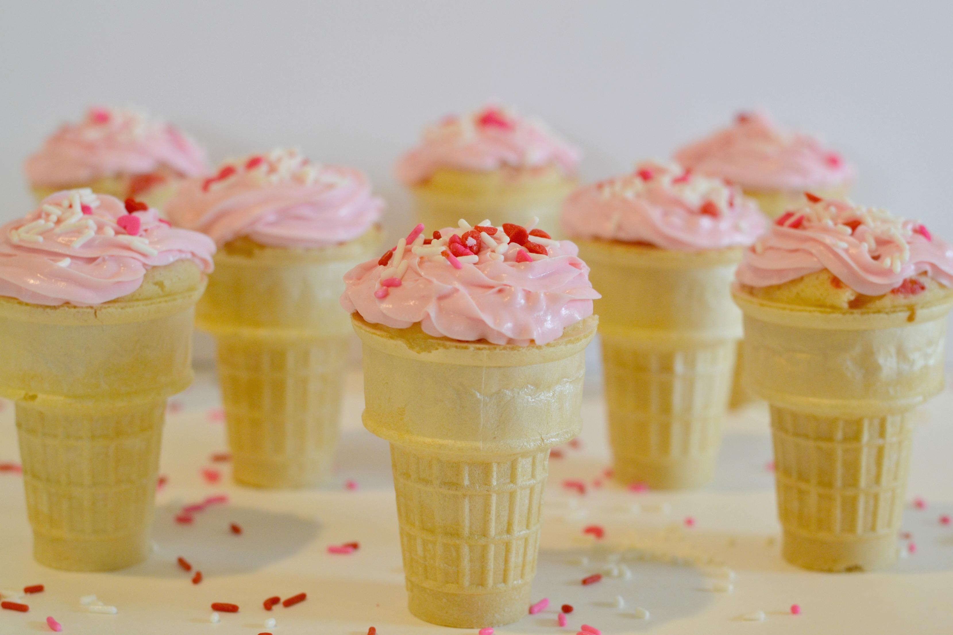 Valentine Ice Cream Cone Cupcakes