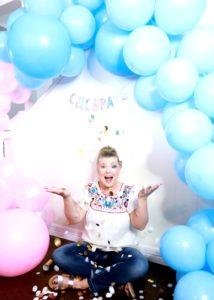 Gender Reveal Decorations- DIY Balloon Garland