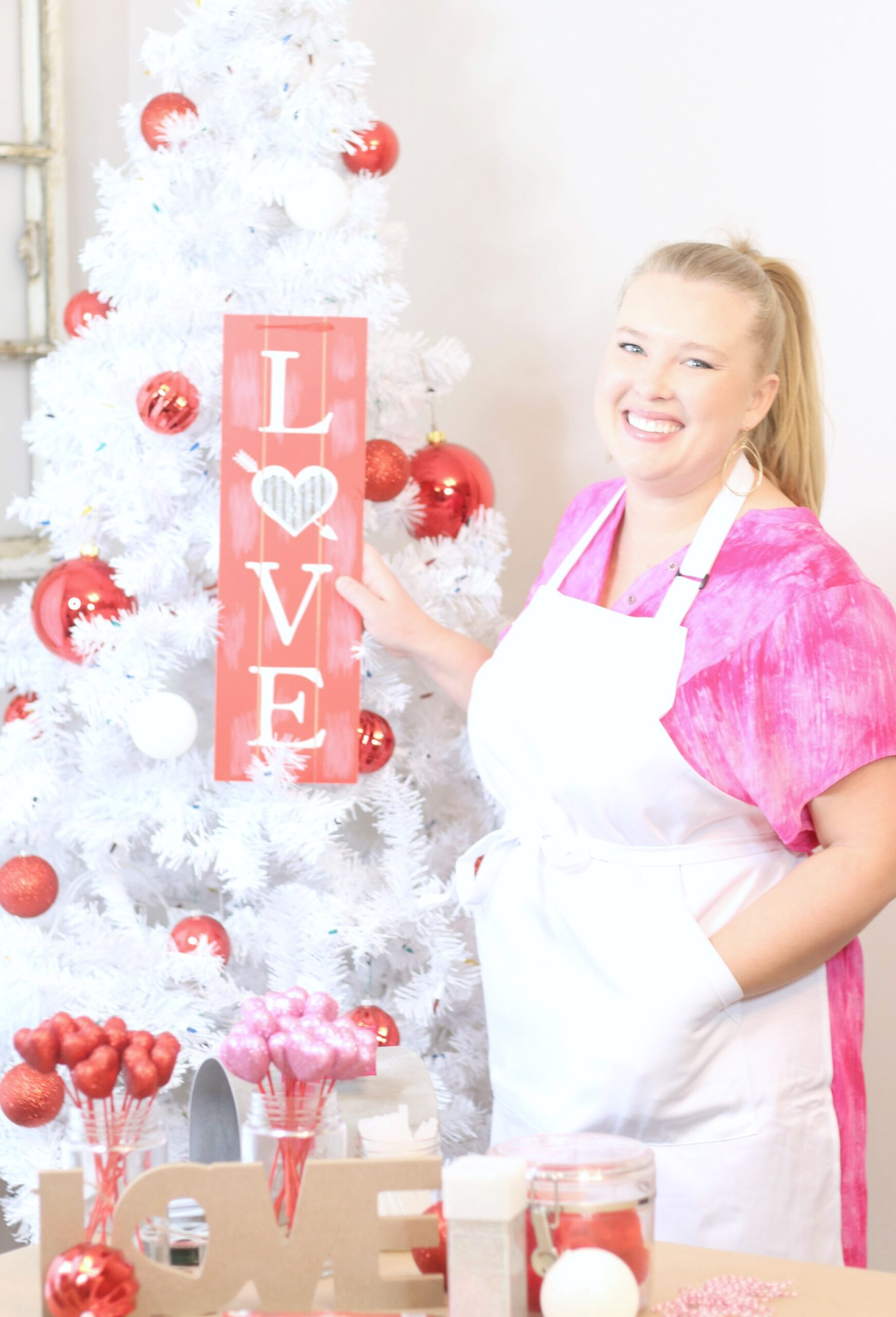 DIY Valentines Day Holiday Tree